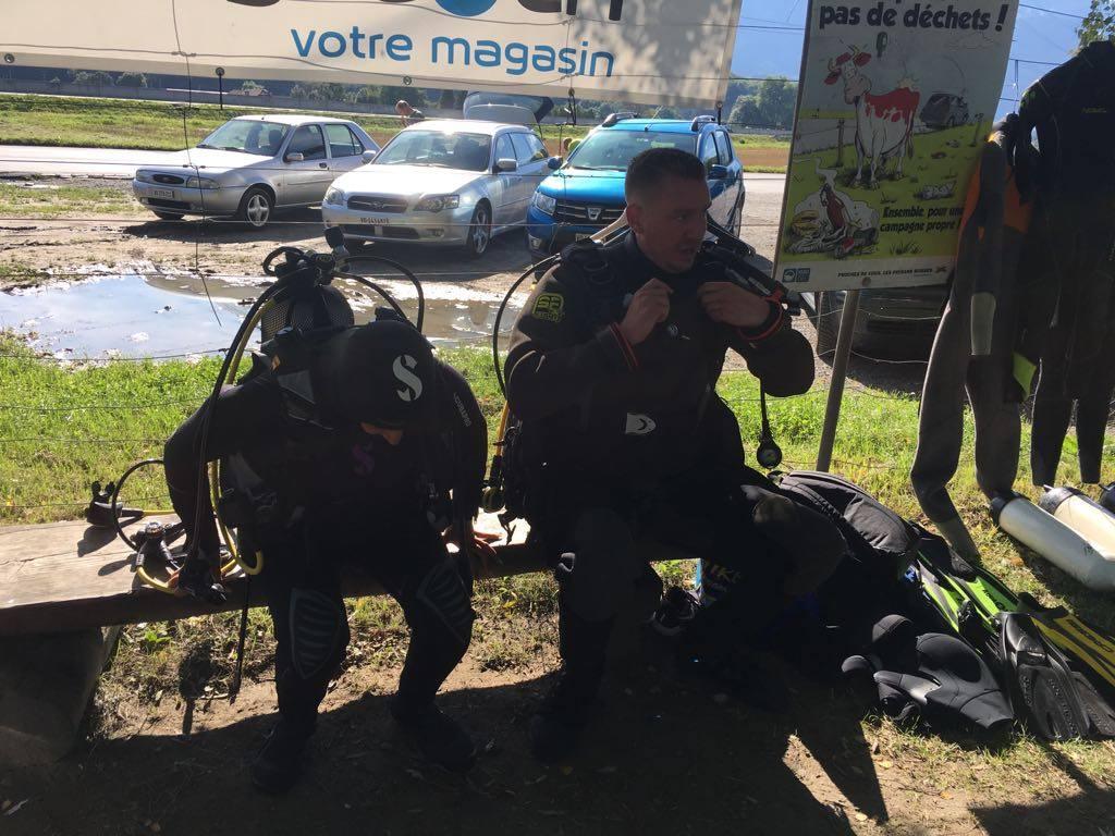 Moniteur Et Futur Baptisé Et Plongeur PADI Plongee.ch