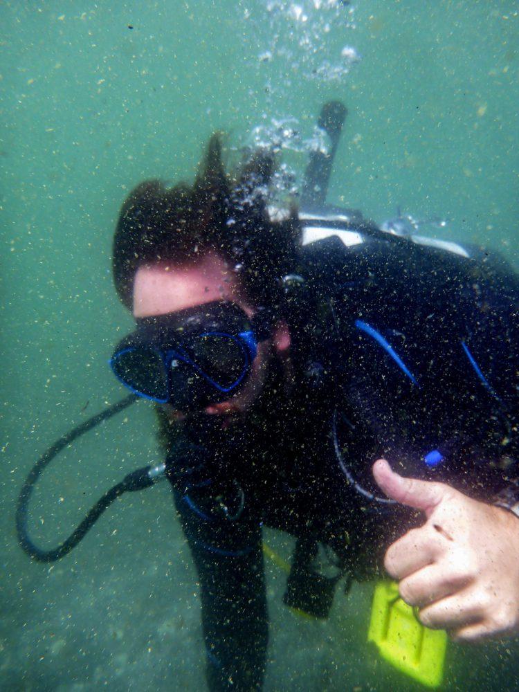 Plongeur Et Signe Plongee.ch